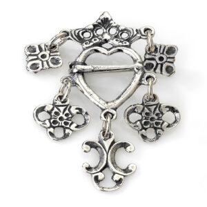 Mestergull Liten sølje i oksidert sølv til Romeriksbunaden ROMERIKSSLV Sølje