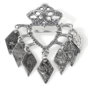 Mestergull Liten barnesølje i oksidert sølv til Romeriksbunaden ROMERIKSSLV Sølje