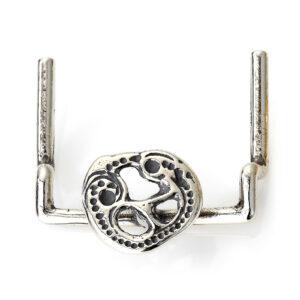 Mestergull Oppheng for kniv og nøkler i oksidert sølv til Romeriksbunaden, monteres på beltestølen ROMERIKSSLV Belte