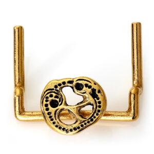 Mestergull Oppheng for kniv og nøkler i forgylt sølv til Romeriksbunaden, monteres på beltestølen ROMERIKSSLV Belte