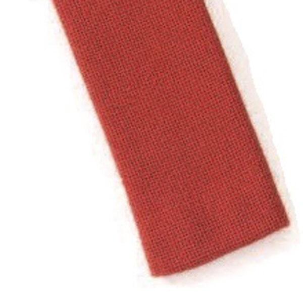 Mestergull Stoffbelte i rødt til Romeriksbunaden, beltet er stivet opp med viselin slik at stølene skal henge pent ROMERIKSSLV Belte