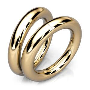 Mestergull Massive øreringer designet etter kundens spesifikasjoner. Disse er utført i gult gull 585 med diameter 26 mm og tykkelse 4 mm DESIGN STUDIO Spesialdesign Ørepynt
