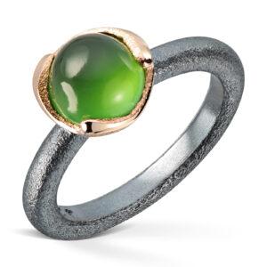 Mestergull Ring i oksidert sølv med gult gull og Serpentin VAN BERGEN Blome Ring