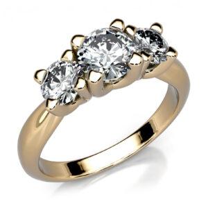 Mestergull Klassisk trestens ring i gult gull 585 utviklet for kunde. Ringen er fattet med 3 diamanter. 0,50 ct. i midten og 0,25 ct. på sidene. Totalt 1,00 ct. HSI DESIGN STUDIO Spesialdesign Ring