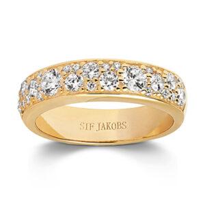 Mestergull Ring i sølv 925S forgylt med 18K gull, med blankpolert overflate og fasettslepne klare Zirkonia. SIF JACOBS JEWELLERY Novara Ring