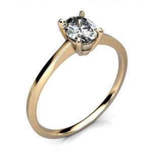Mestergull Solitaire med oval diamant 0,39 ct. utviklet for kunde. Ringen er utført i gult gull 585 med slank utførelse. DESIGN STUDIO Solitaire Ring